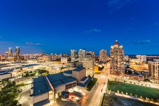 Main Photo: Ph 2203 365 Prince Of Wales Drive in Mississauga: City Centre Condo for sale : MLS®# W3589606