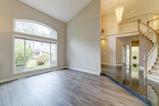 "Photo 4: 211 PARKSIDE Drive in Port Moody: Heritage Mountain House for sale in ""Heritage Mountain"" : MLS®# R2517068"