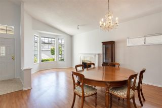 """Photo 6: 122 9012 WALNUT GROVE Drive in Langley: Walnut Grove Townhouse for sale in """"QUEEN ANNE GREEN"""" : MLS®# R2584394"""