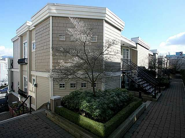 Main Photo: 309 680 W 7th Avenue in Vancouver: Fairview VW Condo for sale (Vancouver West)  : MLS®# V1076452