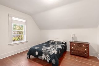 """Photo 13: 1937 GRAVELEY Street in Vancouver: Grandview Woodland House for sale in """"Commercial Drive"""" (Vancouver East)  : MLS®# R2404224"""