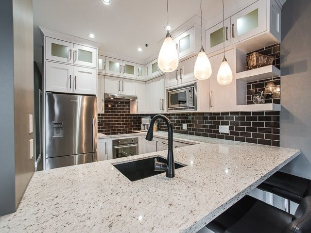 "Main Photo: 303 1924 COMOX Street in Vancouver: West End VW Condo for sale in ""The Windgate"" (Vancouver West)  : MLS®# R2049844"