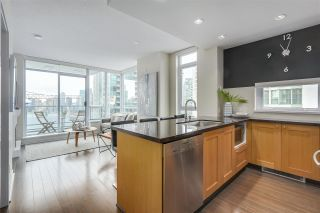 """Photo 7: 1508 821 CAMBIE Street in Vancouver: Downtown VW Condo for sale in """"Raffles"""" (Vancouver West)  : MLS®# R2343787"""