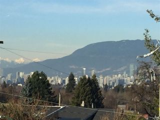 """Photo 1: 1319 E 37TH Avenue in Vancouver: Knight House for sale in """"KNIGHT ST RIDGEWAY"""" (Vancouver East)  : MLS®# R2332228"""