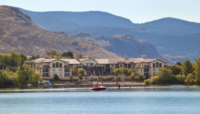 FEATURED LISTING: 208/210 - 4200 LAKESHORE Drive Osoyoos