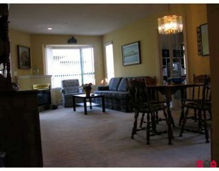 """Photo 5: 201 1569 EVERALL Street in White_Rock: White Rock Condo for sale in """"SEAWYND MANOR"""" (South Surrey White Rock)  : MLS®# F2908098"""