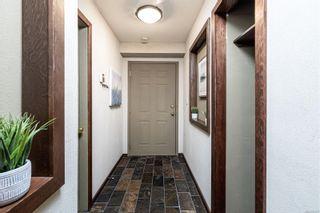 Photo 3: 204 2647 Graham St in : Vi Hillside Condo for sale (Victoria)  : MLS®# 866592