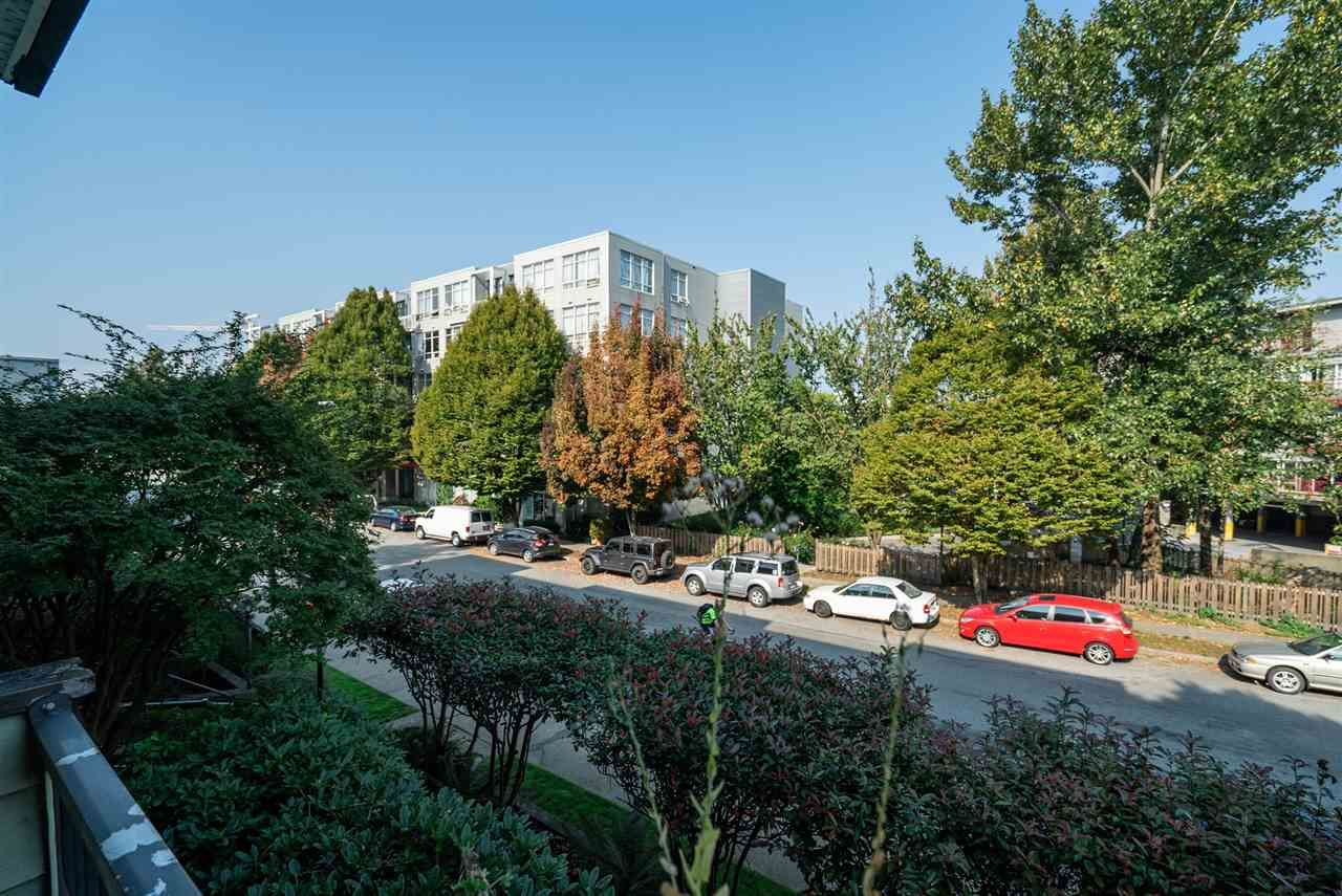 """Photo 10: Photos: 208 334 E 5TH Avenue in Vancouver: Mount Pleasant VE Condo for sale in """"View Pointe"""" (Vancouver East)  : MLS®# R2507908"""