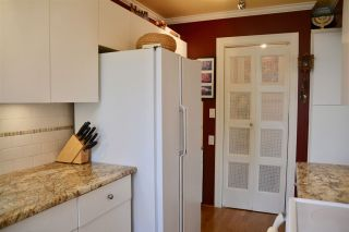 """Photo 9: 302 1685 W 14TH Avenue in Vancouver: Fairview VW Condo for sale in """"TOWN VILLA"""" (Vancouver West)  : MLS®# R2359239"""