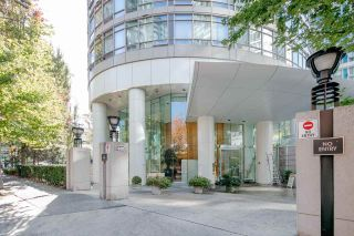 """Photo 5: 1903 1200 ALBERNI Street in Vancouver: West End VW Condo for sale in """"THE PACIFIC PALISADES"""" (Vancouver West)  : MLS®# R2211458"""