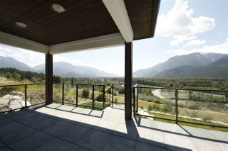 """Photo 19: 1990 DOWAD Drive in Squamish: Tantalus House for sale in """"Skyridge"""" : MLS®# R2307236"""