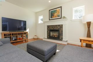 Photo 18: 4039 South Valley Dr in VICTORIA: SW Strawberry Vale House for sale (Saanich West)  : MLS®# 816381