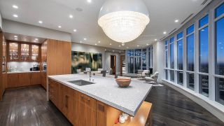 """Photo 13: 4301 1189 MELVILLE Street in Vancouver: Coal Harbour Condo for sale in """"The Melville"""" (Vancouver West)  : MLS®# R2512418"""