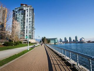 """Photo 19: 2207 33 SMITHE Street in Vancouver: Yaletown Condo for sale in """"COOPERS LOOKOUT"""" (Vancouver West)  : MLS®# R2106492"""