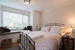 Photo 10: 15620 RUSSELL Avenue: White Rock House for sale (South Surrey White Rock)  : MLS®# R2140276