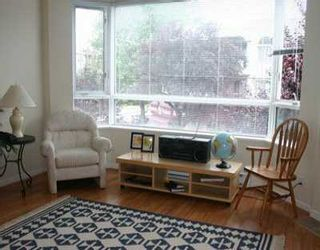 """Photo 1: 204 1688 CYPRESS ST in Vancouver: Kitsilano Condo for sale in """"YORKVILLE SOUTH"""" (Vancouver West)  : MLS®# V604149"""