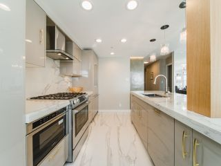 Photo 8: 706 198 AQUARIUS MEWS in Vancouver: Yaletown Condo for sale (Vancouver West)  : MLS®# R2424836