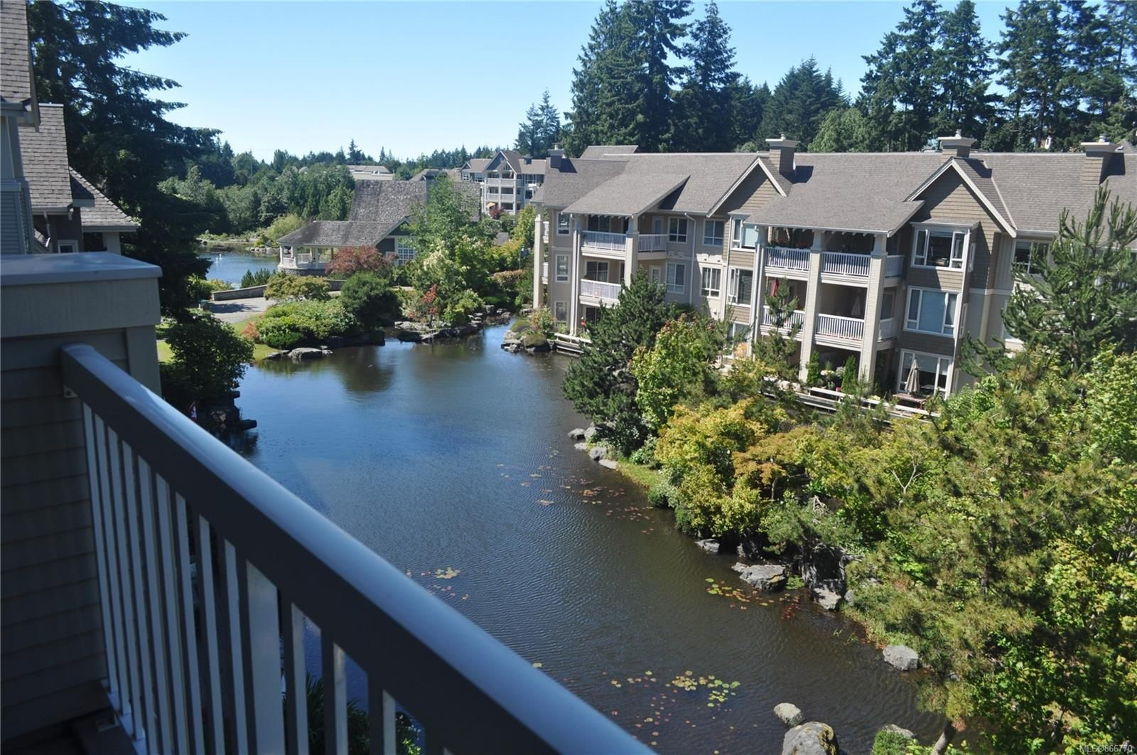 Main Photo: 401 5685 Edgewater Lane in : Na North Nanaimo Condo for sale (Nanaimo)  : MLS®# 866770