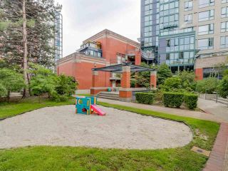 Photo 17: Vancouver West in Yaletown: Condo for sale : MLS®# R2079482
