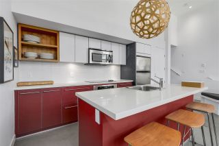 """Photo 10: 2838 WATSON Street in Vancouver: Mount Pleasant VE Townhouse for sale in """"DOMAIN TOWNHOMES"""" (Vancouver East)  : MLS®# R2218278"""