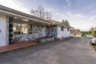 Photo 3: 34276 OLD YALE Road in Abbotsford: Central Abbotsford House for sale : MLS®# R2536613