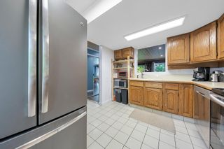 """Photo 18: 464 LEHMAN Place in Port Moody: North Shore Pt Moody Townhouse for sale in """"EAGLEPOINT"""" : MLS®# R2604397"""