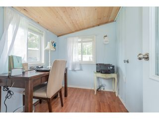 """Photo 16: 14 20071 24 Avenue in Langley: Brookswood Langley Manufactured Home for sale in """"Fernridge Park"""" : MLS®# R2562399"""
