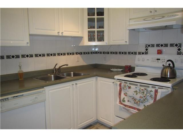 """Photo 7: Photos: 739 E 17TH Avenue in Vancouver: Fraser VE Townhouse for sale in """"KINGSGATE MANOR"""" (Vancouver East)  : MLS®# V1064466"""
