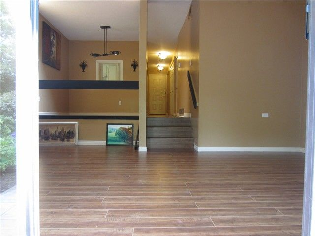 """Photo 3: Photos: 8550 WOODRIDGE Place in Burnaby: Forest Hills BN Townhouse for sale in """"SIMON FRASER VILLAGE"""" (Burnaby North)  : MLS®# V966181"""