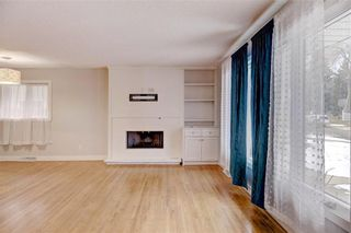 Photo 5: 611 WOODSWORTH Road SE in Calgary: Willow Park Detached for sale : MLS®# C4216444