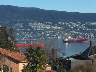 """Photo 15: 4541 W 3RD Avenue in Vancouver: Point Grey House for sale in """"NORTH OF 4TH WEST POINT GREY"""" (Vancouver West)  : MLS®# R2352886"""