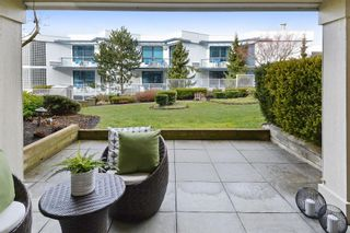 """Photo 14: 110 15621 MARINE Drive: White Rock Condo for sale in """"PACIFIC POINT"""" (South Surrey White Rock)  : MLS®# R2348468"""