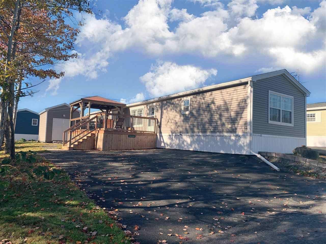 Main Photo: 27 Fourth Street in Lucasville: 21-Kingswood, Haliburton Hills, Hammonds Pl. Residential for sale (Halifax-Dartmouth)  : MLS®# 202021617