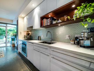 """Photo 22: 222 256 E 2ND Avenue in Vancouver: Mount Pleasant VE Condo for sale in """"Jacobsen"""" (Vancouver East)  : MLS®# R2495462"""