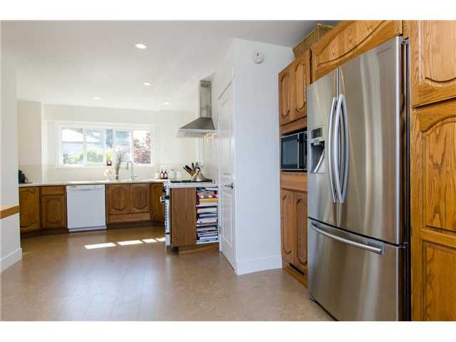 """Photo 7: Photos: 408 ALLEN Drive in Tsawwassen: Pebble Hill House for sale in """"PEBBLE HILL"""" : MLS®# V1137836"""