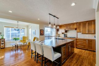 Photo 3: 100 Wedgewood Drive SW in Calgary: Wildwood Detached for sale : MLS®# A1062854