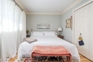 "Photo 5: 2847 GORDON Avenue in Surrey: Crescent Bch Ocean Pk. House for sale in ""CRESENT BEACH VILLAGE"" (South Surrey White Rock)  : MLS®# R2566027"