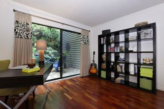 """Photo 11: 822 FREDERICK Road in North Vancouver: Lynn Valley Townhouse for sale in """"Lara Lynn"""" : MLS®# R2214486"""