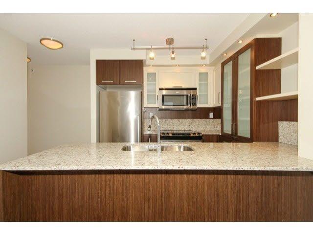 """Photo 3: Photos: 2307 2980 ATLANTIC Avenue in Coquitlam: North Coquitlam Condo for sale in """"THE LEVO"""" : MLS®# R2042903"""