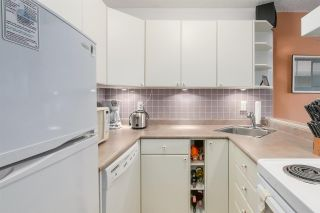 """Photo 3: 904 1146 HARWOOD Street in Vancouver: West End VW Condo for sale in """"Lamplighter"""" (Vancouver West)  : MLS®# R2258222"""