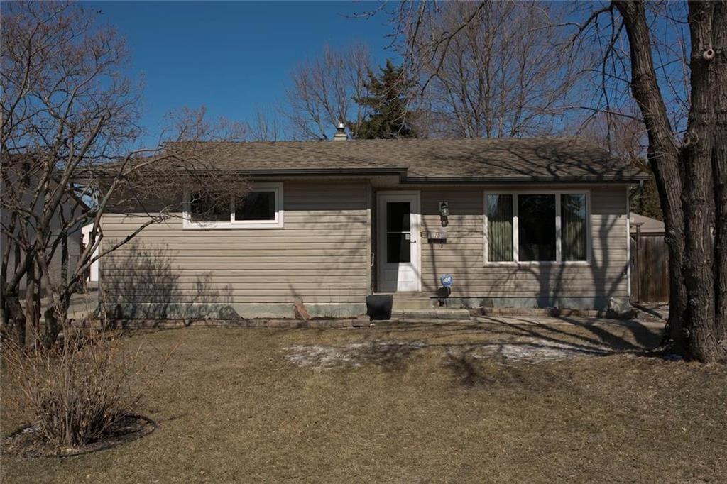 Main Photo: 15 Meadowbrook Road in Winnipeg: Southdale Residential for sale (2H)  : MLS®# 202107336