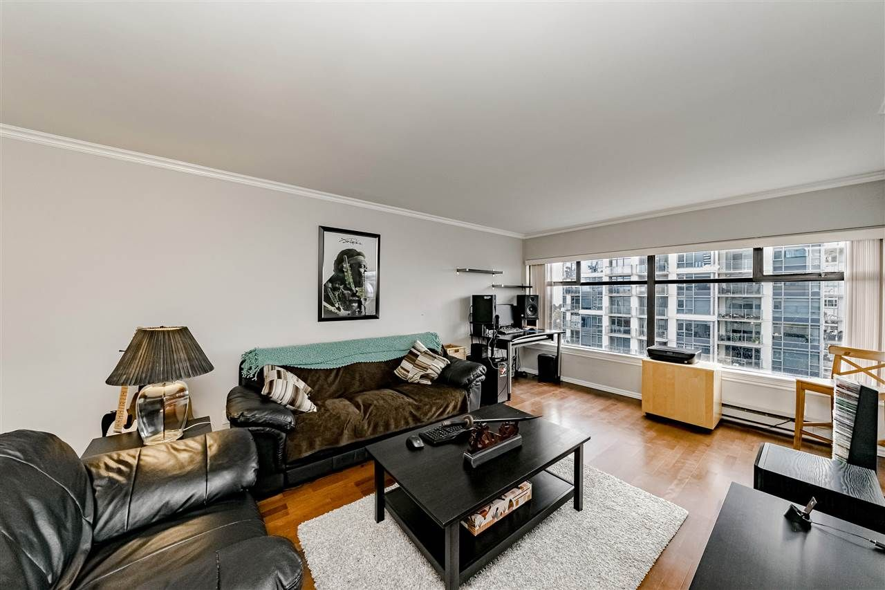 Main Photo: 1104 615 BELMONT STREET in : Uptown NW Condo for sale : MLS®# R2416165