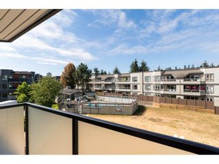 """Photo 3: 323 1850 E SOUTHMERE Crescent in Surrey: Sunnyside Park Surrey Condo for sale in """"Southmere Place"""" (South Surrey White Rock)  : MLS®# R2192713"""