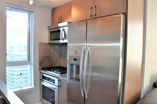 "Photo 6: 2501 1211 MELVILLE Street in Vancouver: Coal Harbour Condo for sale in ""The Ritz"" (Vancouver West)  : MLS®# R2572755"