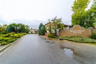 Photo 2: 3 Douglas Woods Park SE in Calgary: Douglasdale/Glen Semi Detached for sale : MLS®# A1147146