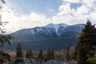"Photo 33: 41833 GOVERNMENT Road in Squamish: Brackendale House for sale in ""BRACKENDALE"" : MLS®# R2545412"
