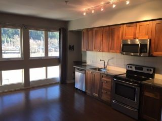 "Photo 3: 204 37841 CLEVELAND Avenue in Squamish: Downtown SQ Condo for sale in ""Studio Sq"" : MLS®# R2227207"