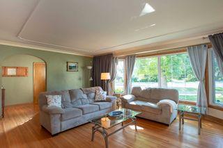 Photo 2: 855 Kildonan Drive in Winnipeg: Fraser's Grove Residential for sale (3C)  : MLS®# 202018504