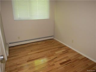 Photo 4: 176 Risbey Crescent in WINNIPEG: Westwood / Crestview Residential for sale (West Winnipeg)  : MLS®# 1323461