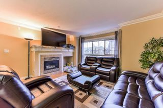 Photo 4: 30 12738 66 AVENUE in Surrey: West Newton Townhouse for sale : MLS®# R2325051